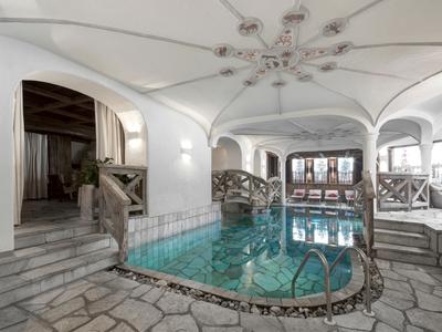 Salus per Aquam - Hotel La Perla