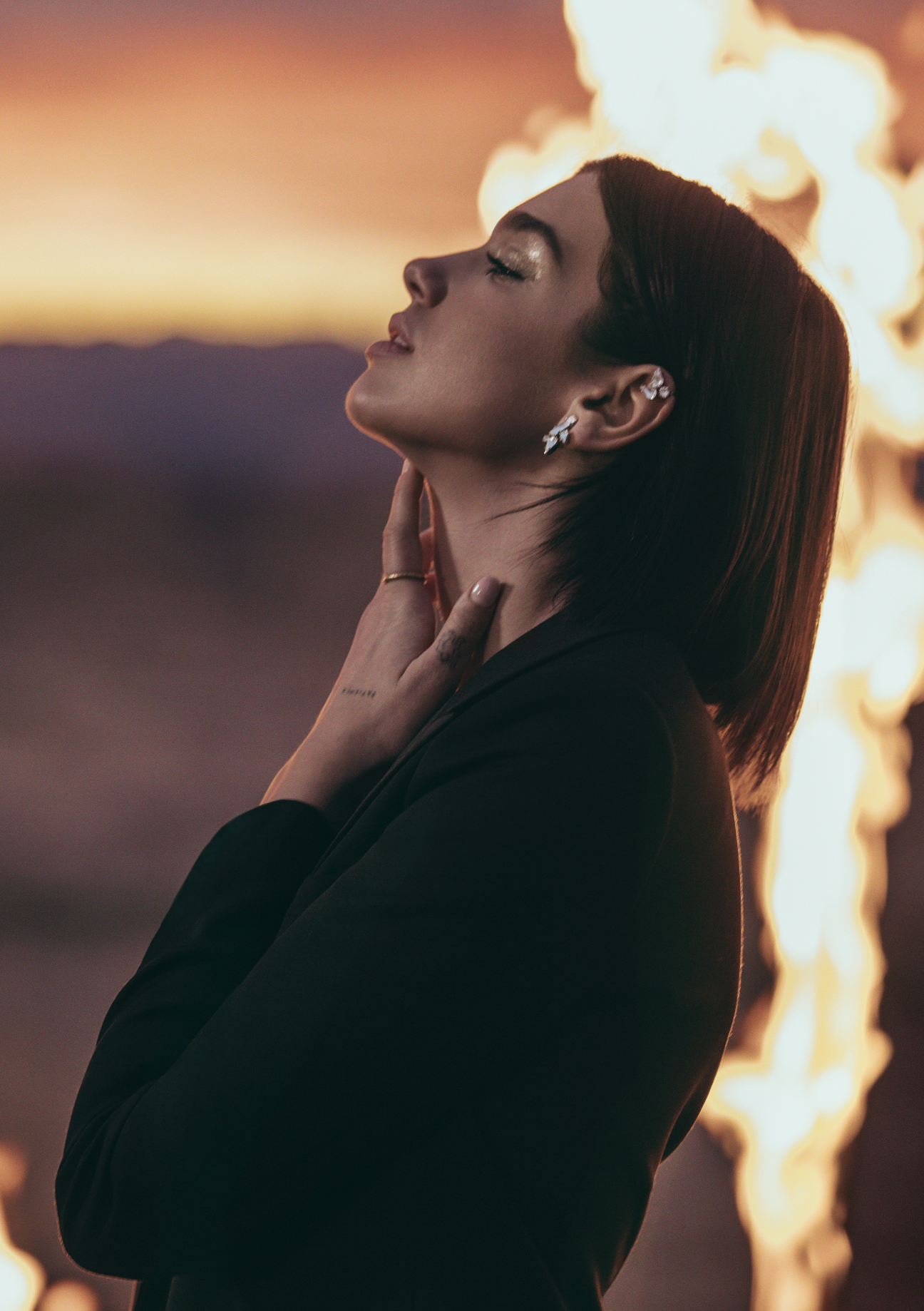 Dua Lipa x Yves Saint Laurent Beauté – Libre