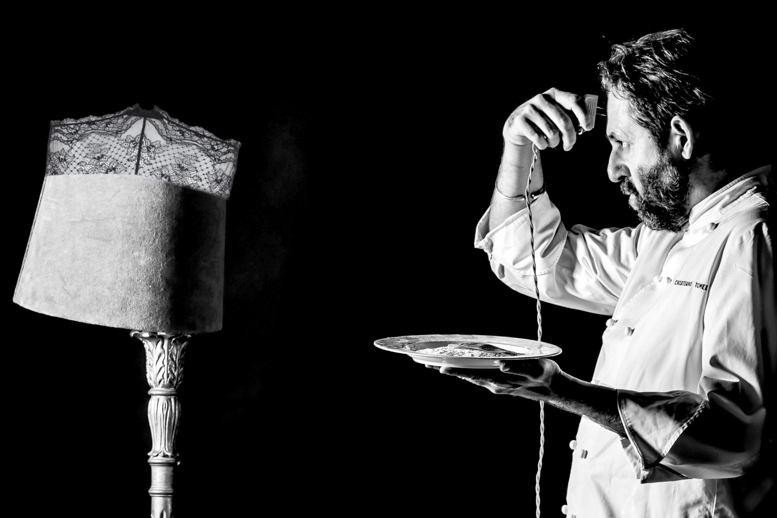 La cucina dello chef viareggino Cristiano Tomei