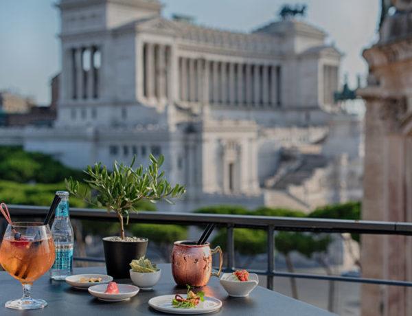 Dalle terrazze degli hotel più belli di Roma, al via la stagione dei cocktail