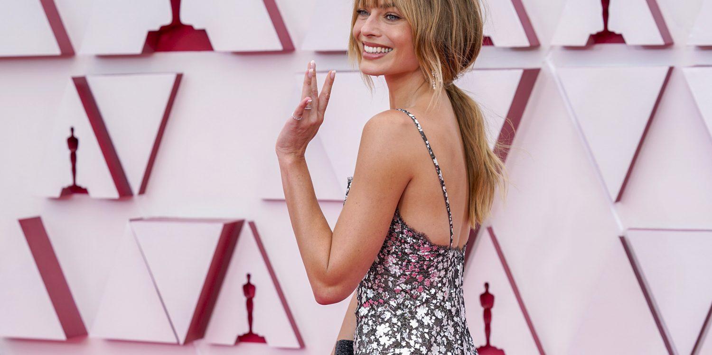 Margot Robbie in Chanel - Academy Awards 2021