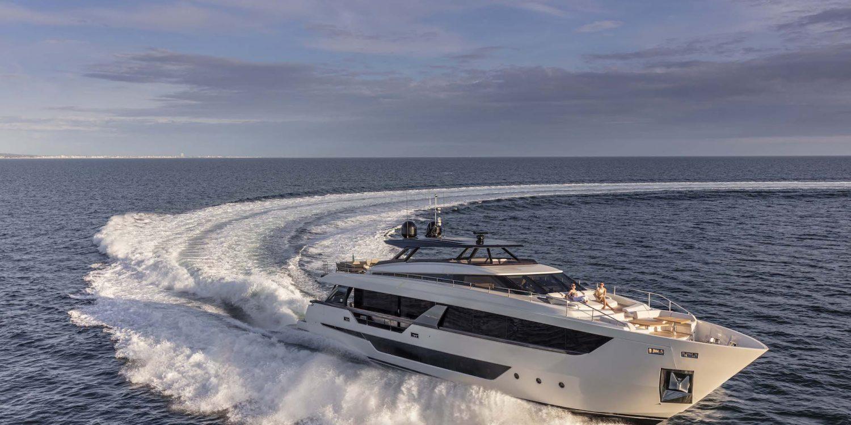 Ferretti Yacht 1000