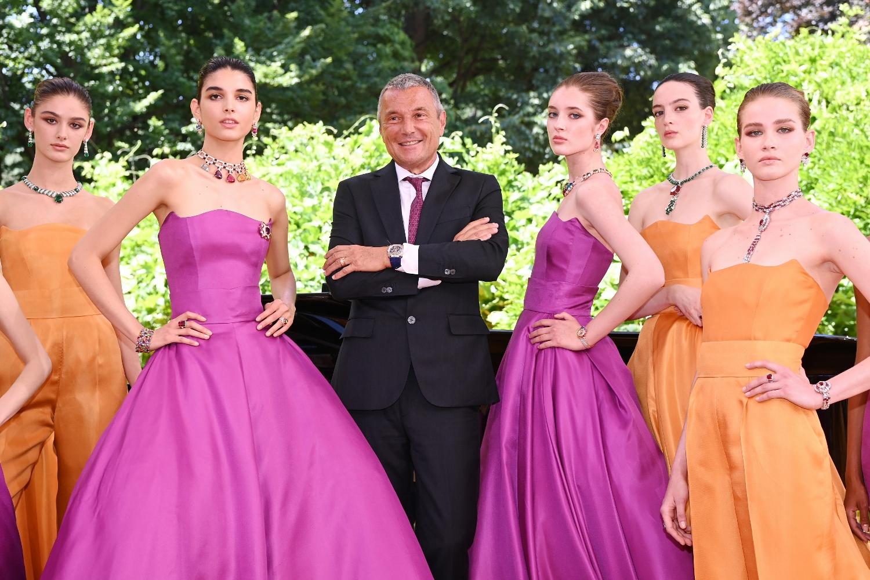 Bvlgari Magnifica - le modelle con il CEO Jean-Christophe Babin - Ph Courtesy Bvlgari