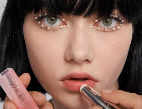DIOR 2022 CRUISE COLLECTION DIOR MAKEUP CREATED AND STYLED BY PETER PHILIPS PHOTOGRAPHY: IAKOVOS KALAITZAKIS FOR CHRISTIAN DIOR PARFUMS